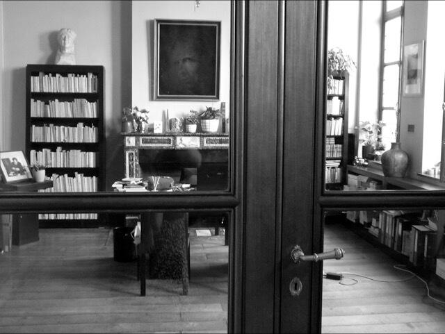 Bureau de Charlesd Plisnier en photo à la Maison Losseau